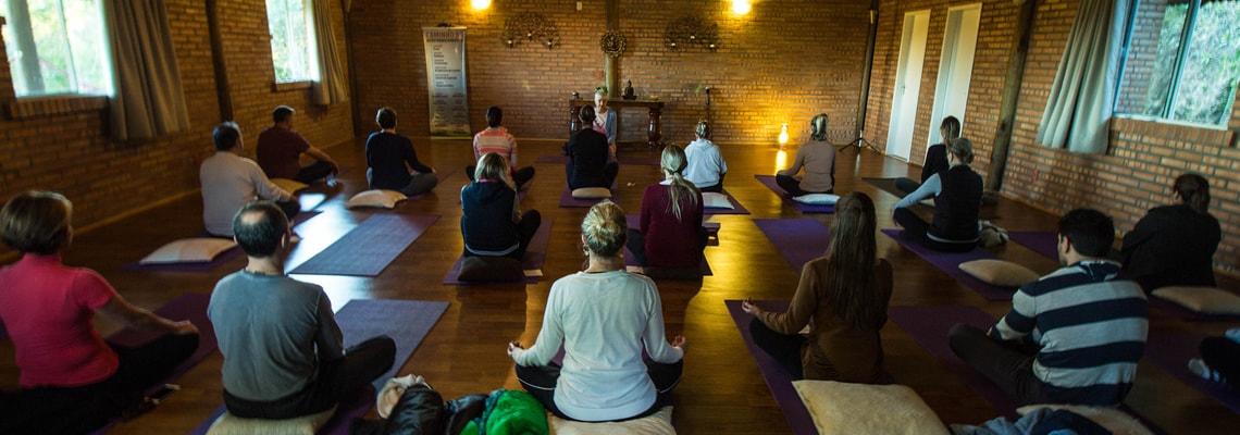 Yoga e Retiros de Meditação